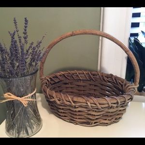 Original Reed Basket with Beautiful Glass Vase